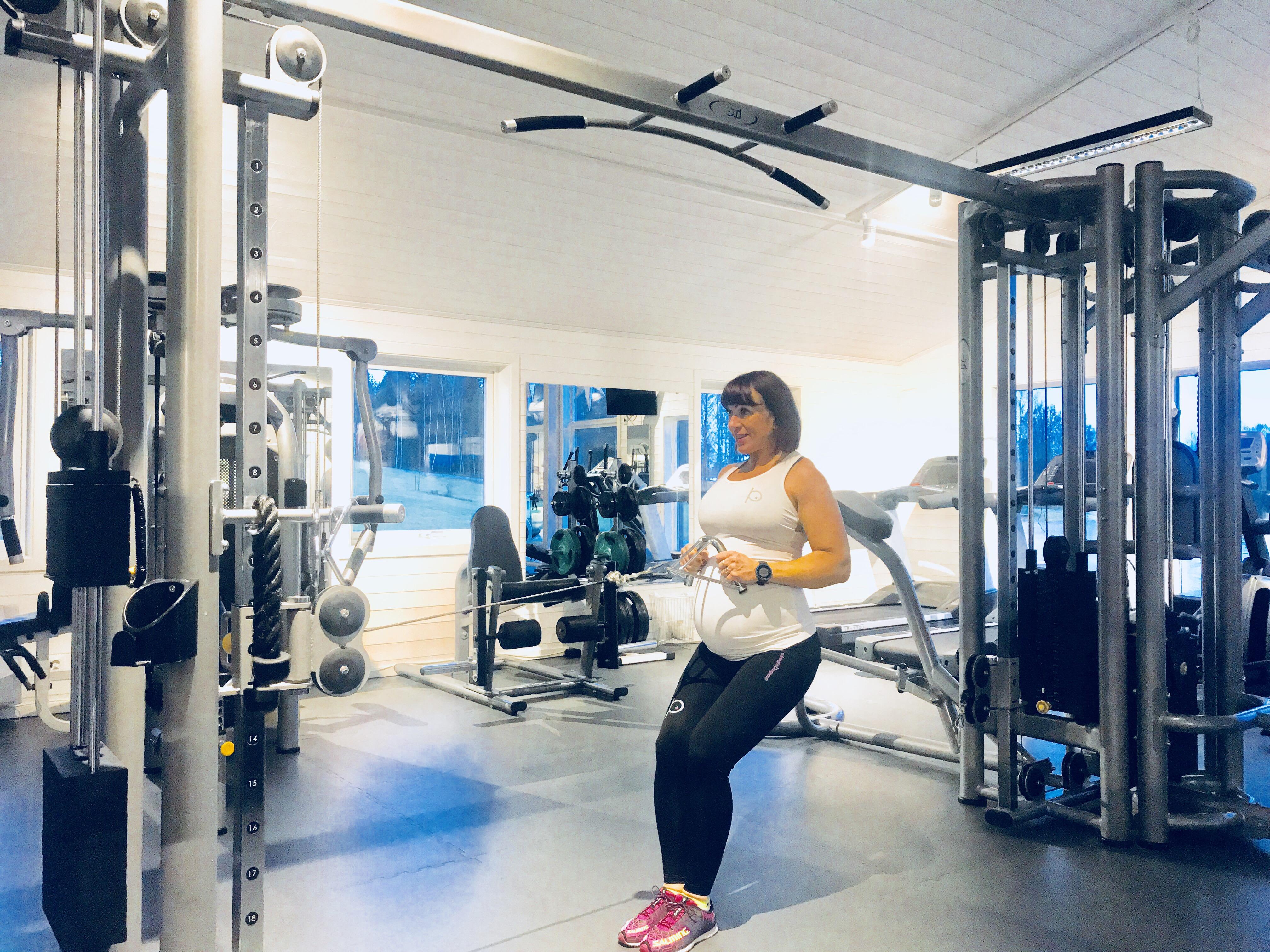Madeleine Rybeck ger tips om Training for Pregnant, mammaträningskläder